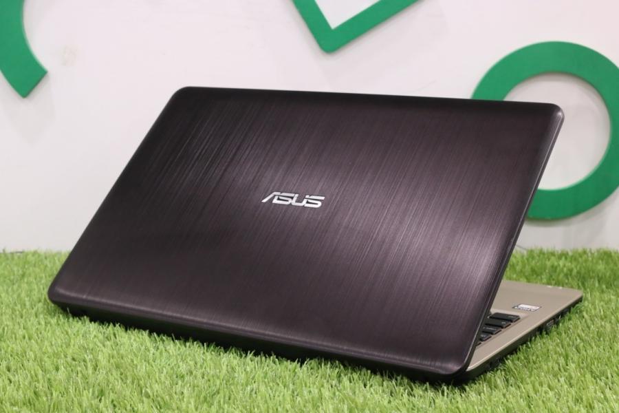 ASUS R540YA-XO112T