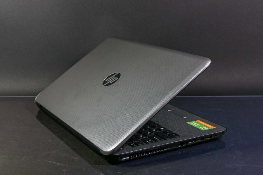 HP 15-ac692ur