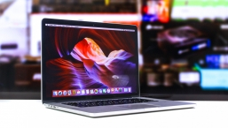 "Apple MacBook Pro Retina 15"" Mid 2015"