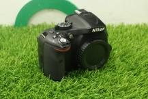 Nikon D5200 Body